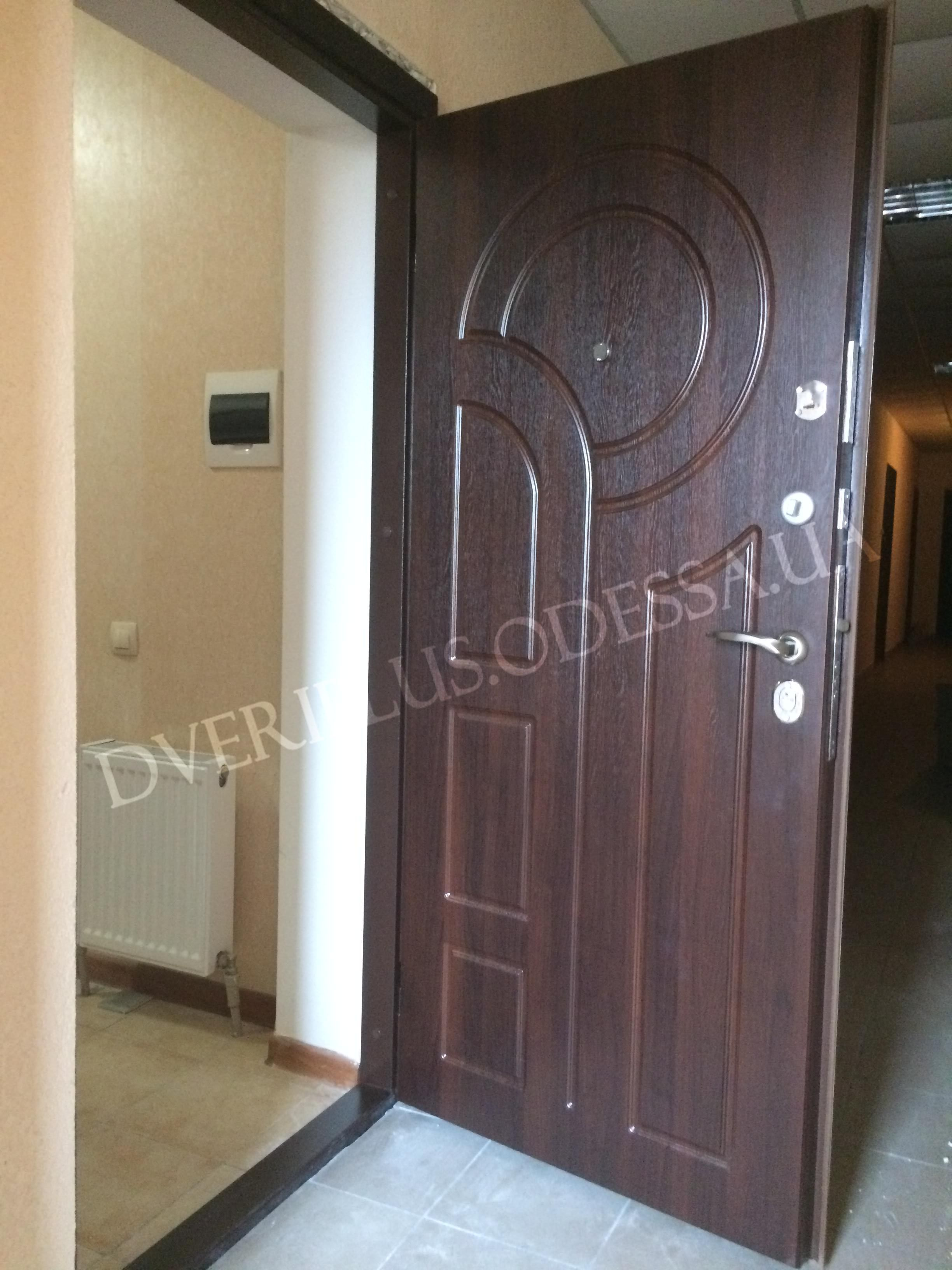 квартира входная дверь бронированная
