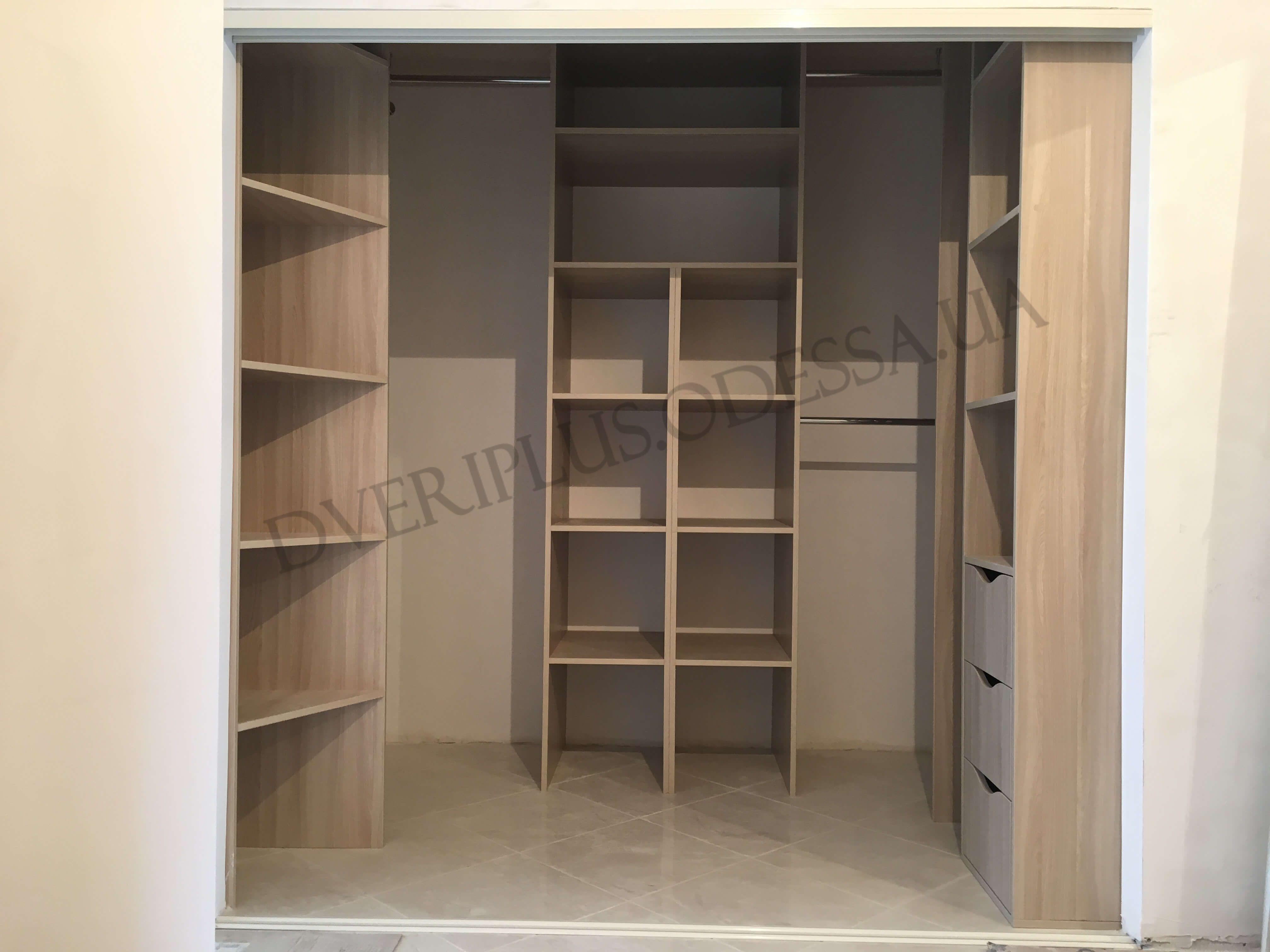 Качественные гардеробные комнаты в специализированном магазине